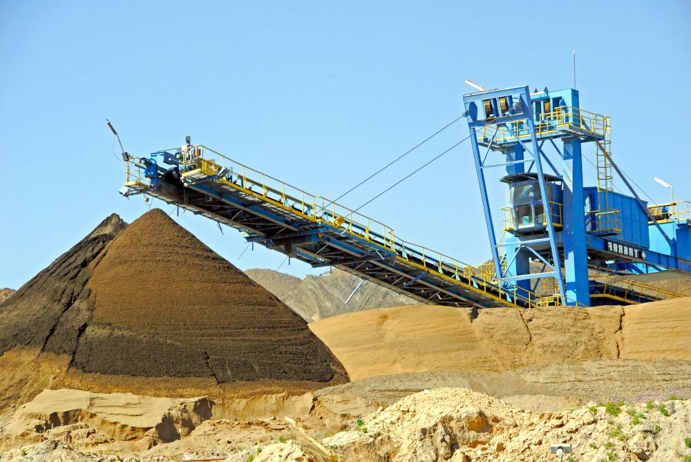 tasmy transportowe w kopalni żwiru